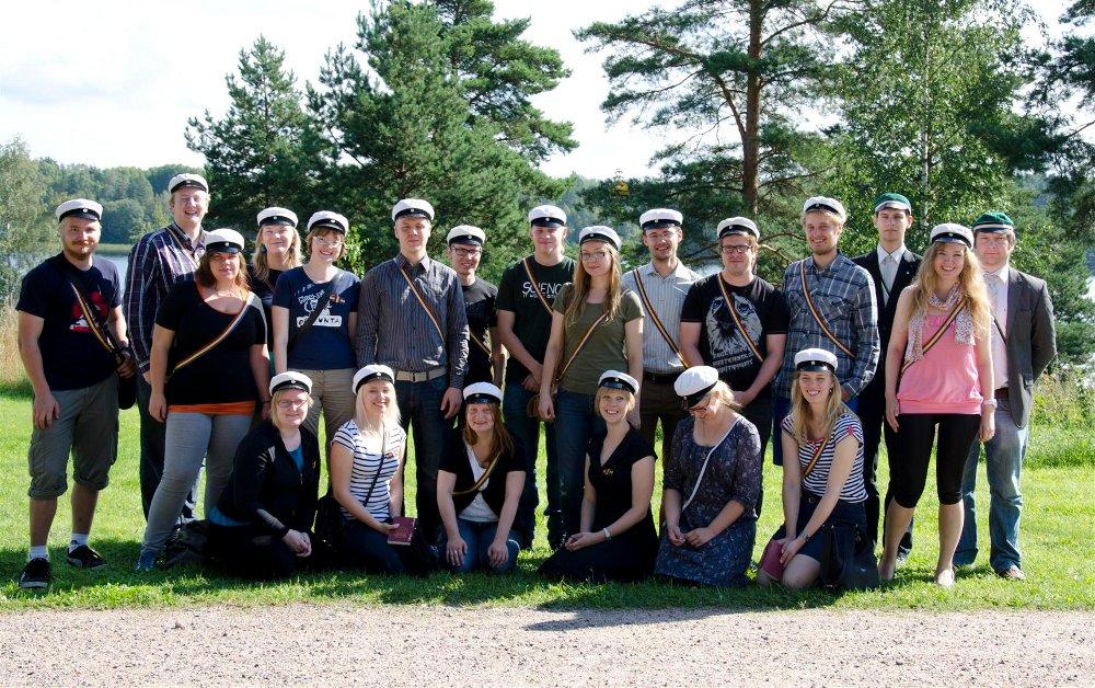 Kesäretki 2012 ryhmäpotretti